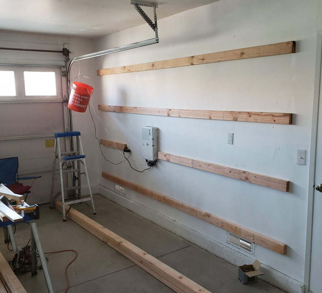 Wall with rear shelf supports.